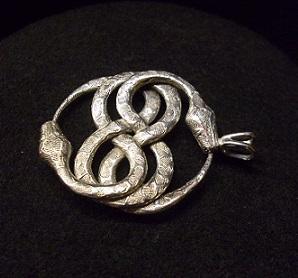 ezüst kígyó medál e1555b69a2