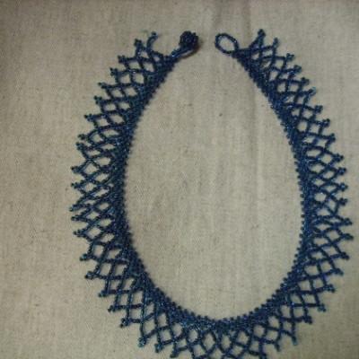 Gyöngynyaklánc-kék