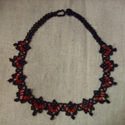 Gyöngynyaklánc-fekete piros