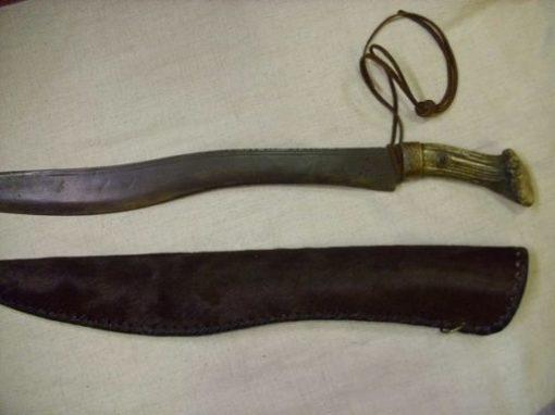 szkíta kard tokkal