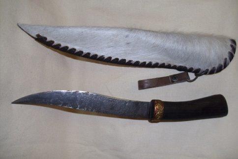 nagy acél kés lóbőr tokkal