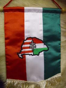 Nagy magyarországos asztali zászló