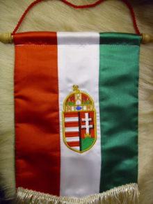 Koronás címeres asztali zászló