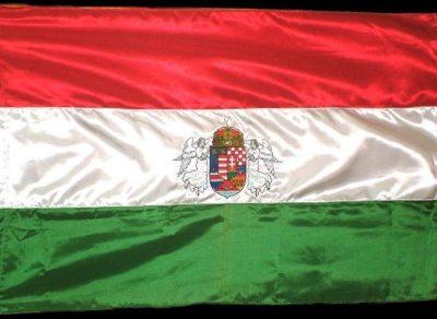 hímzett angyalos címeres magyar zászló