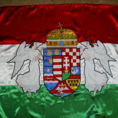 hímzett magyar zászló