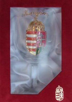 címeres boros pohár díszdobozban
