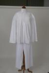 fehér bőgatya és bőujjú ing