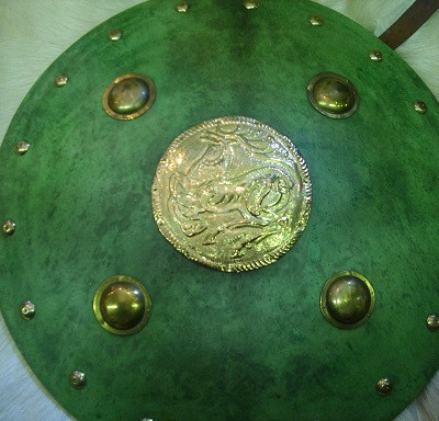zöld aranyozott szarvasos pajzs