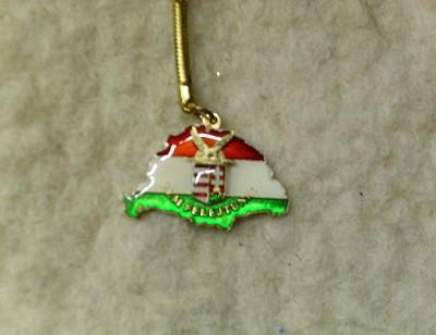 Nagy Magyarország turulos címerrel kulcstartó