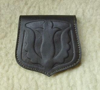 sötétbarna, tulipános domborított mintás bőr pénztárca