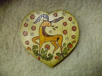 szív alakú szarvasos fali dísz