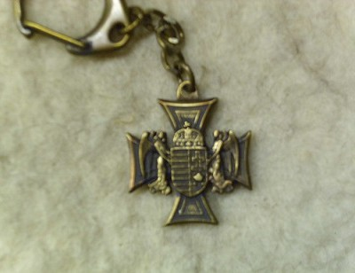 angyalos címeres vaskereszt kulcstartó