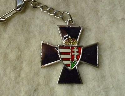 vaskereszt címerrel kulcstartó