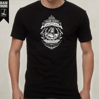 Hunyadi Mátyás fekete póló