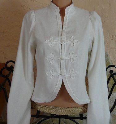 fehér zsinoros blézer
