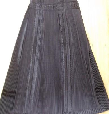 kalotaszegi fekete szoknya és kötény