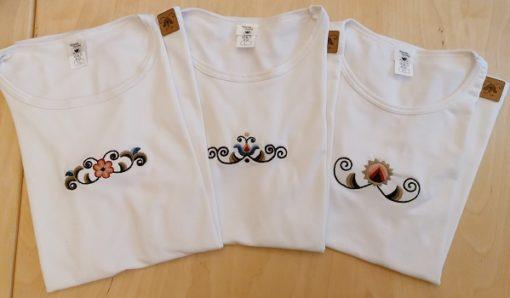 vásárhelyi mintás hímzett női póló