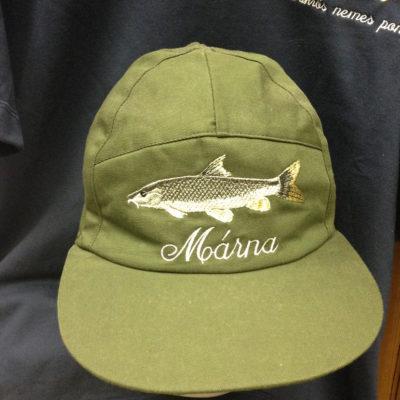 horgászsapka hímzett mintával márna